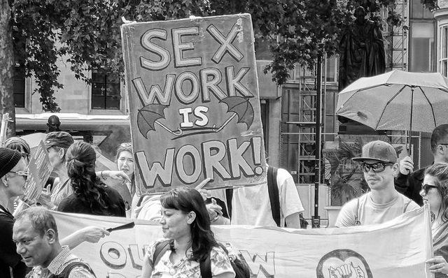 2018 prostituoituja suun kautta ilman kondomia